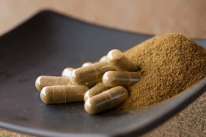 Kratom Powder Vs Kratom Capsules – Which Is More Effective For Me?